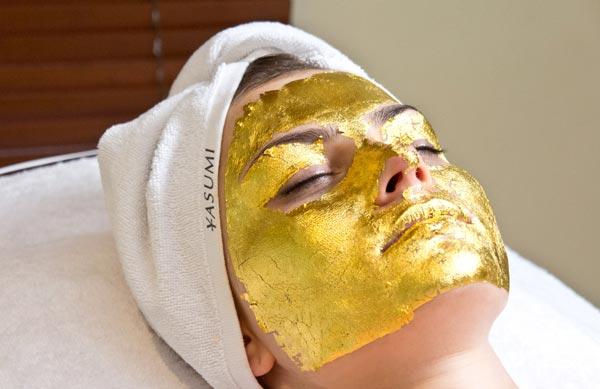 Zdjęcie z zabiegu złotej maski YASUMI